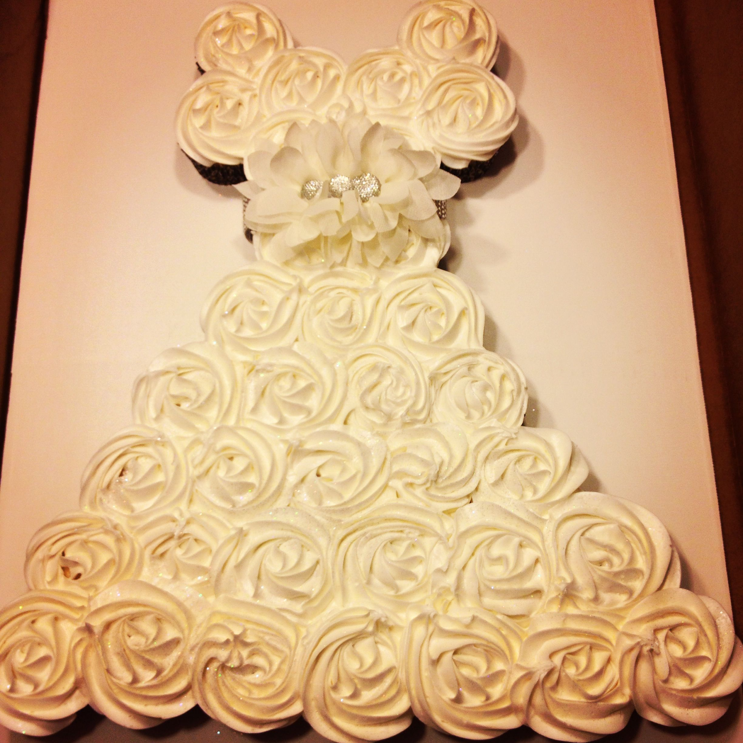 Wedding dress cupcake cake! Just in case I ever throw a bridal ...