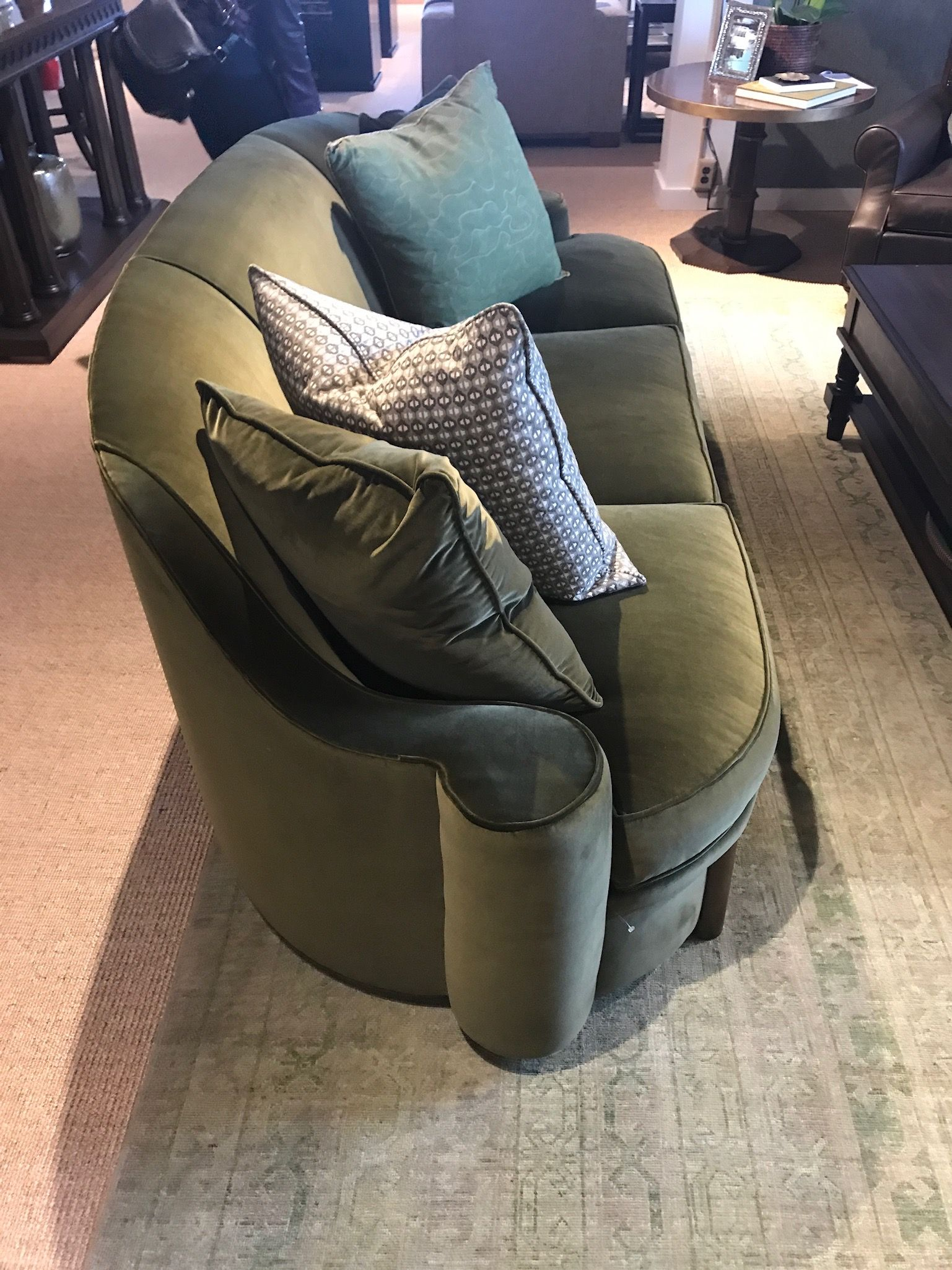 Ordinaire Athena Accent Sofa By David Phoenix For Hickory Chair Showroom: 314    Market Square,
