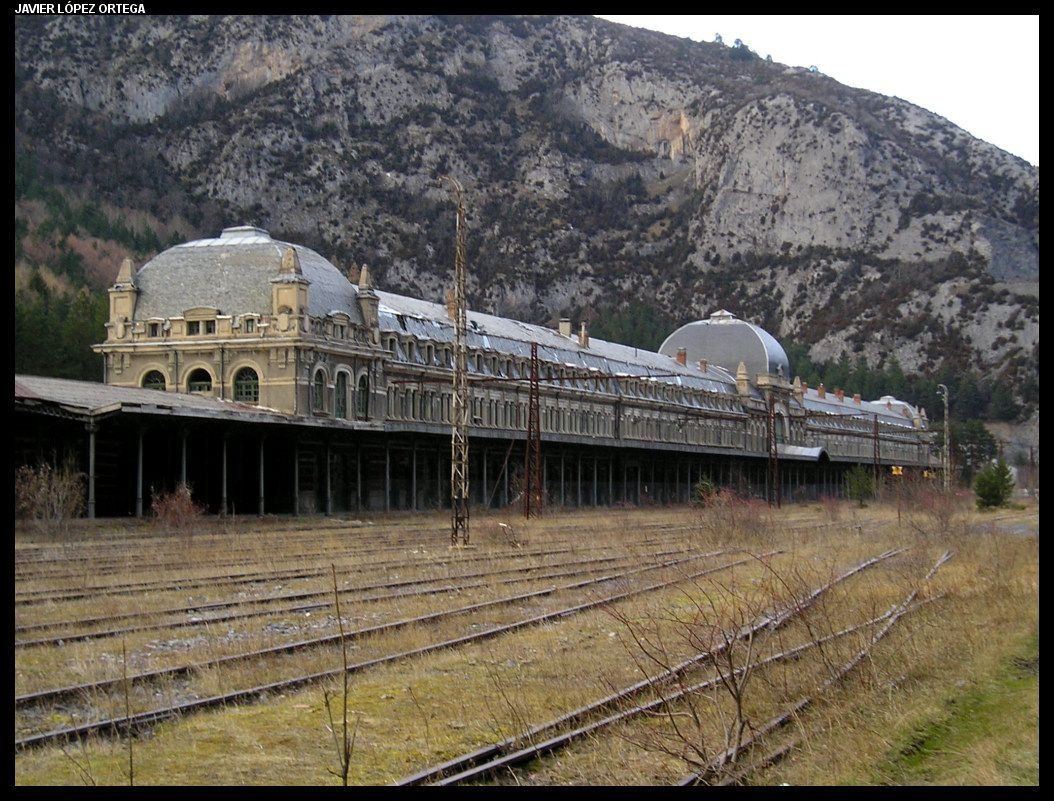 Canfranc_station_spain