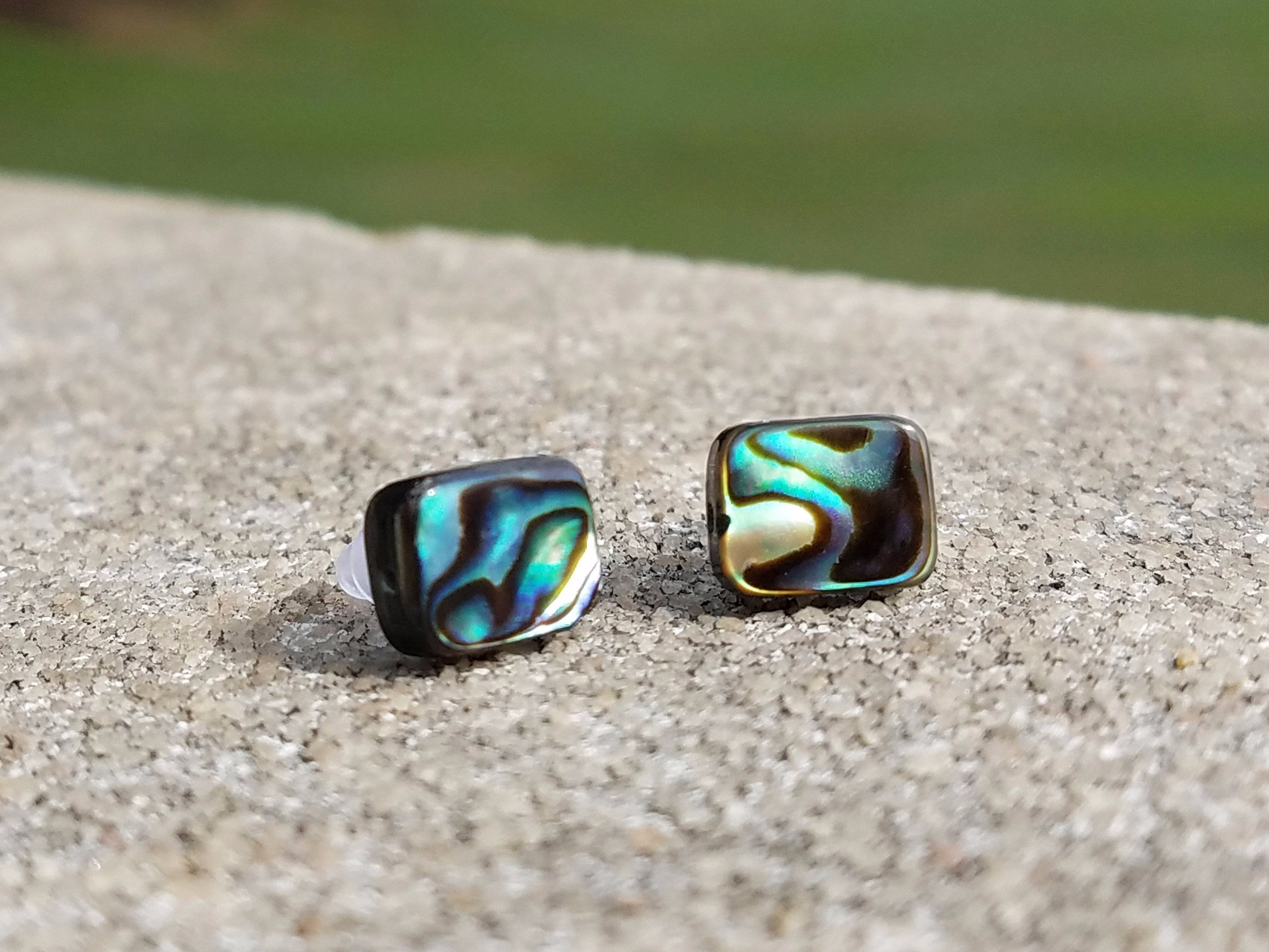 and which accents aeravida this heart stone round inlay sq designed piece seashell square beautiful trendy khun products cute earrings stud silver in se jai oval abalone artisan inlaid details comes