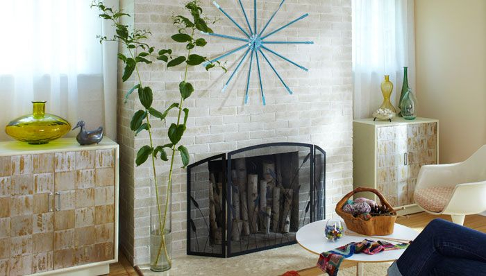Turn A Dark Dreary Fireplace Into A Bright Modern Fireplace With An Easy Step By Step Paint Project For Fireplace Makeover Brick Fireplace Makeover Fireplace