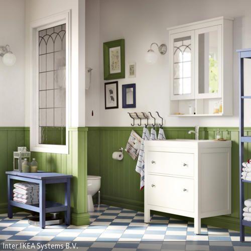 gr ne wandverkleidung im bad badezimmer badezimmer bad und wandverkleidung. Black Bedroom Furniture Sets. Home Design Ideas
