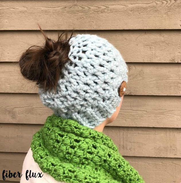Free Crochet Pattern...Chunky Messy Bun Hat! | Gorros, Patrón de ...