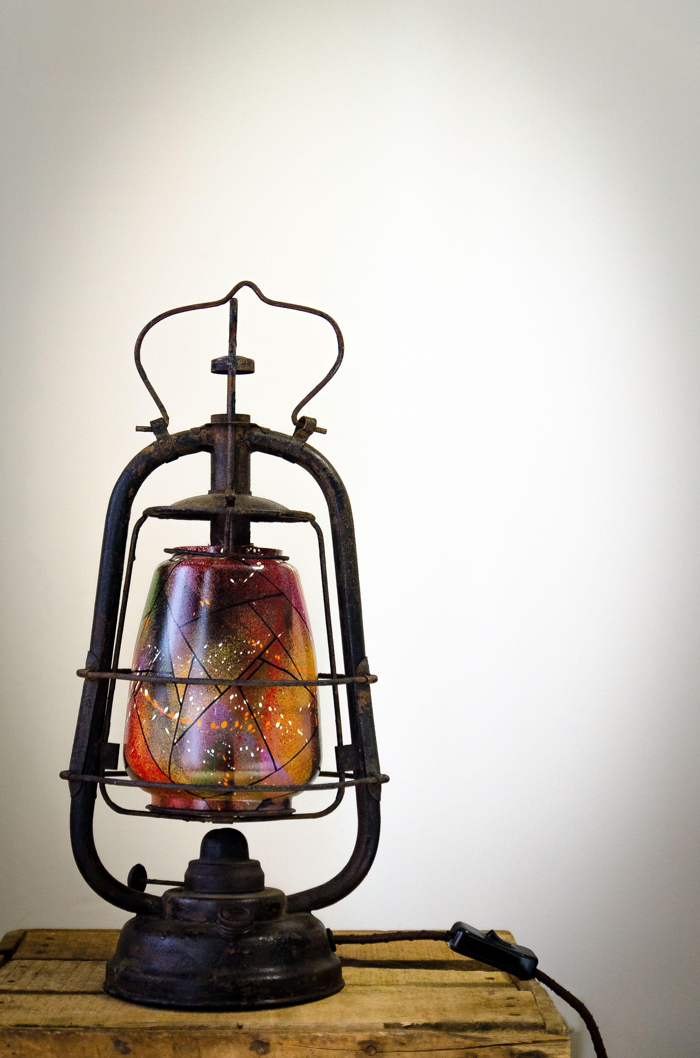 Simkone Custom Peintre En Lettres Chambery Vieilles Lampes Lampe A Petrole Lampe