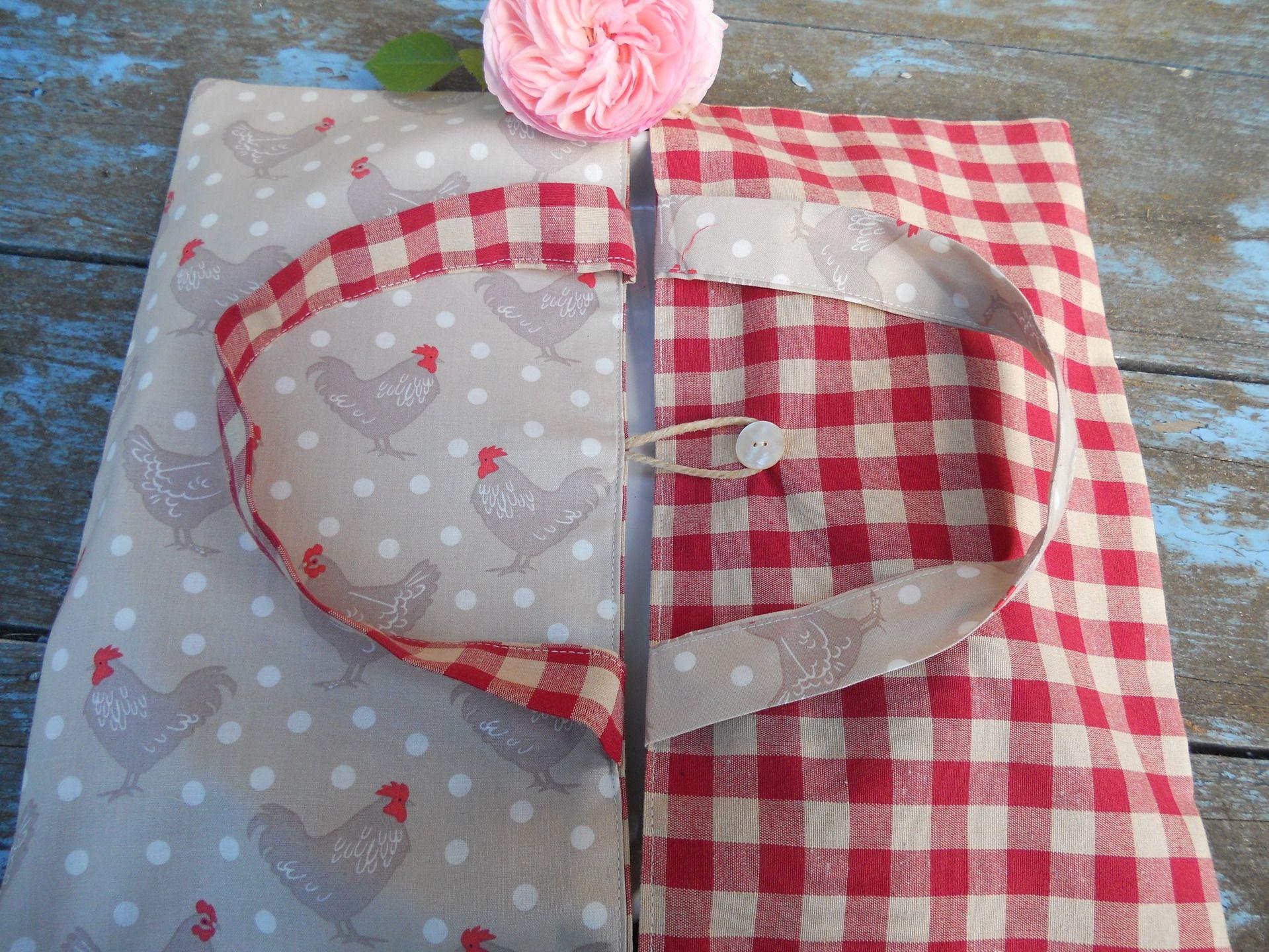 sac tarte esprit campagne tissu poules et vichy bouton en nacre autres sacs par l atelier de. Black Bedroom Furniture Sets. Home Design Ideas