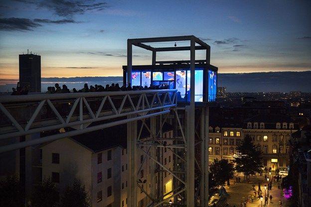 Nuit Blanche palmt buurt Brussels Sint-Katelijneplein in - De Standaard: http://www.standaard.be/cnt/dmf20150909_01857615?_section=60434546