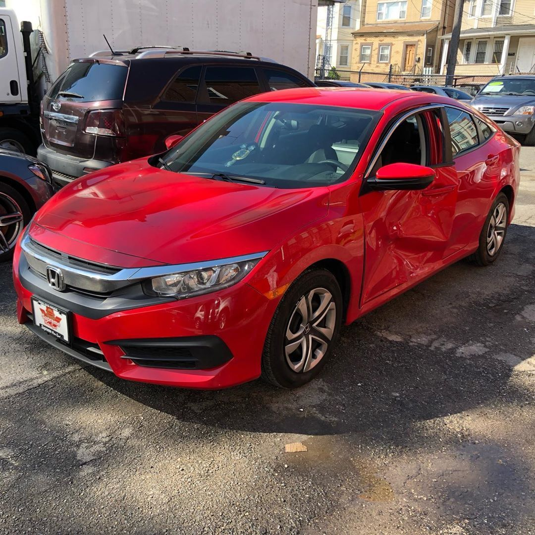 Such A Bright And Beautiful Color Front And Rear Door Where Damaged But It S All Gone Now Cars Cars Repair A Painting Rusted Metal Auto Body Honda Civic