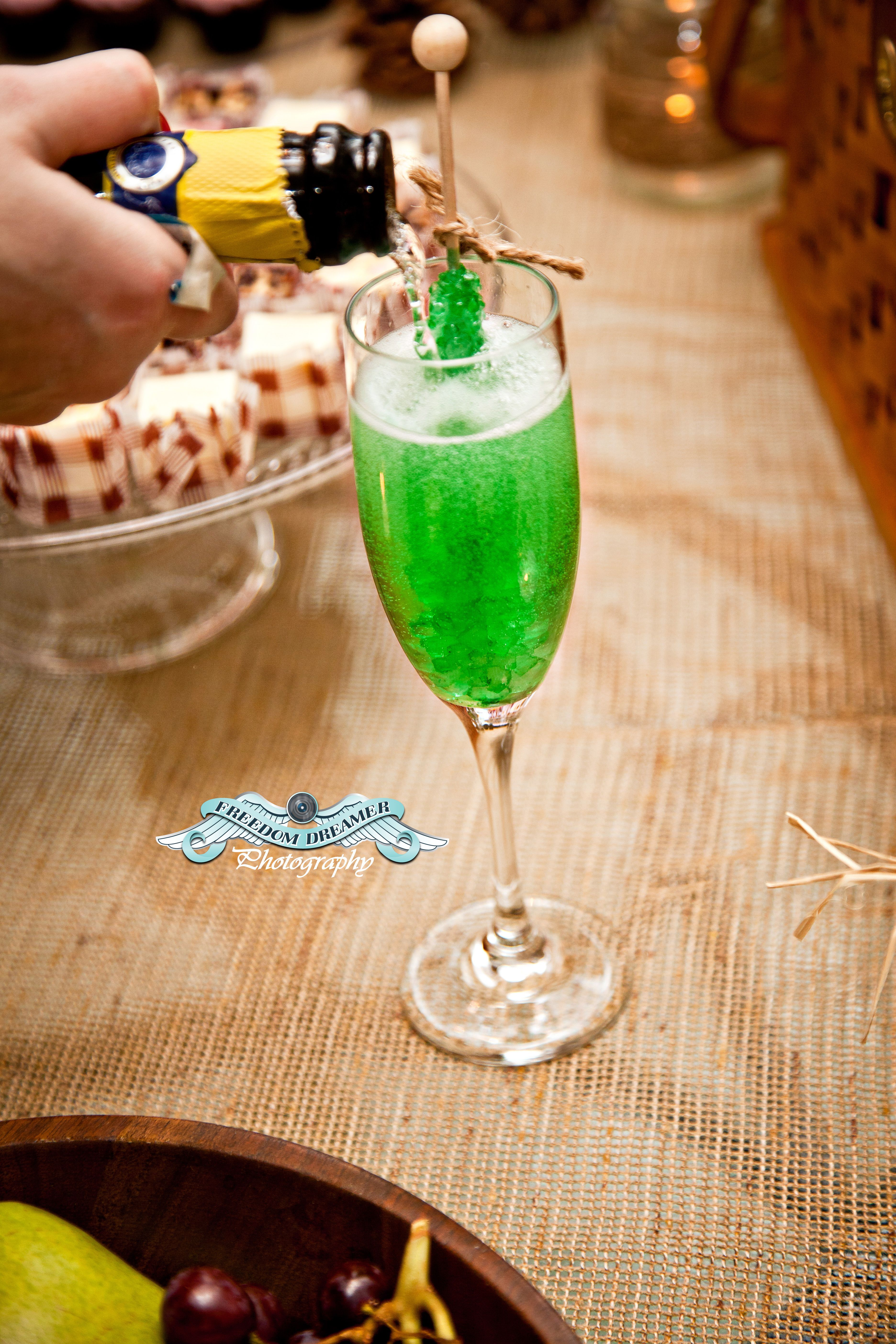 Champagne & Rock Candy Sucker By Cineca Newburn at