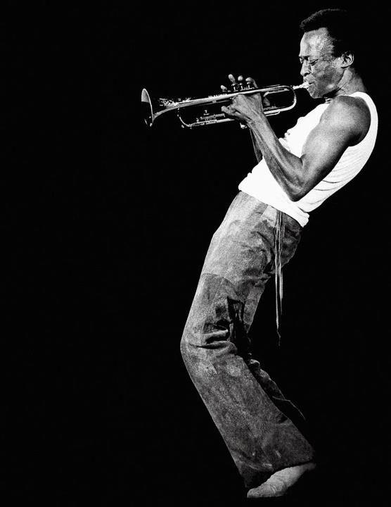 Miles Davis A Tribute to Jack Johnson (Cover) | Jazz