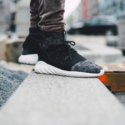 Adidas WMNs Tubular 'Viral' MISSBISH Women 's Fashion, Fitness