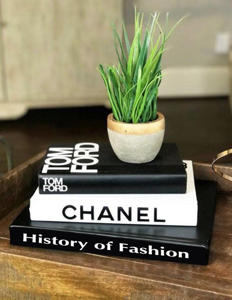 Fashion Designer Book Labels Set Of 3 3 Coffee Table Books Decor Chanel Book Decor Book Decor [ 1024 x 792 Pixel ]