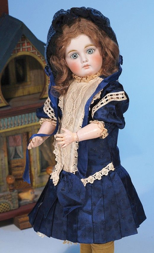 141: SONNENBERG BISQUE DOLL WITH CLOSED-MOUTH : Lot 141