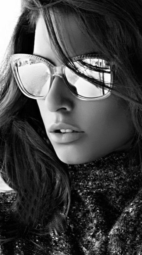 Girl face woman face black white photos black and white portrait ideas she s art photography pose monochrome