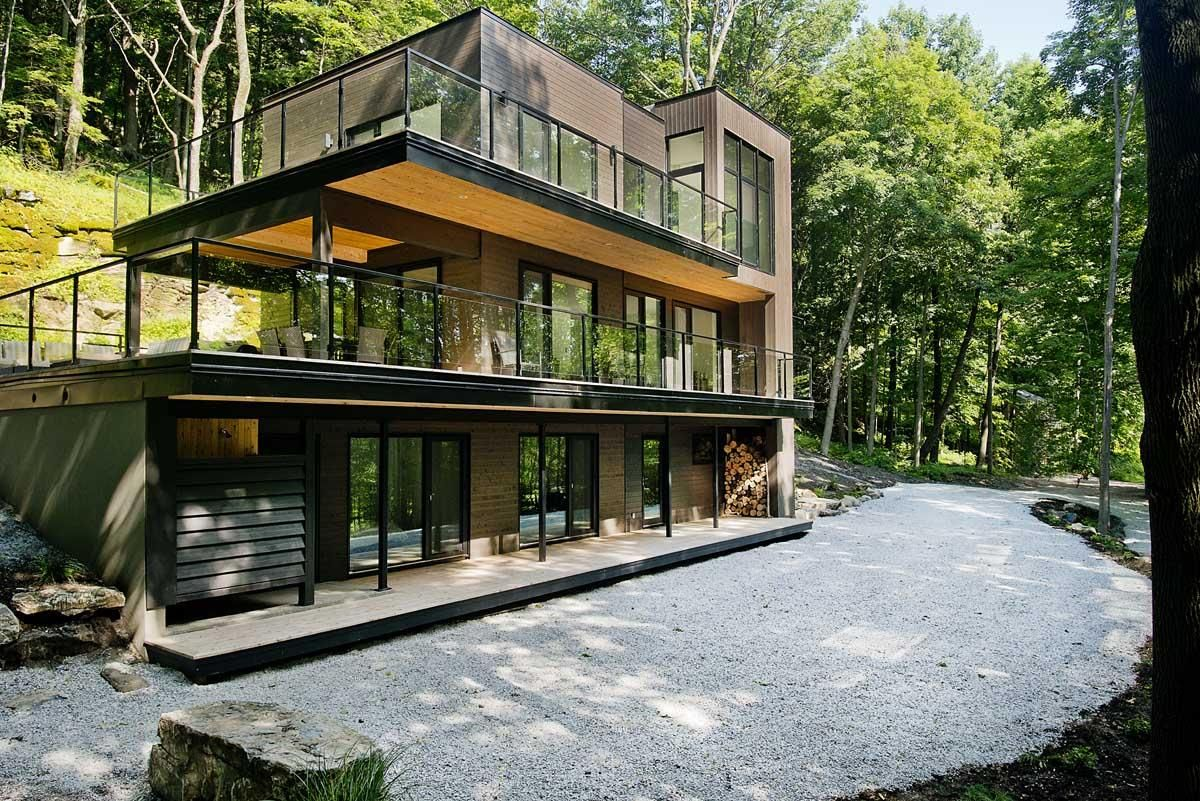 Elegance Modern House In Forest Design With Glass Wall Decor ...