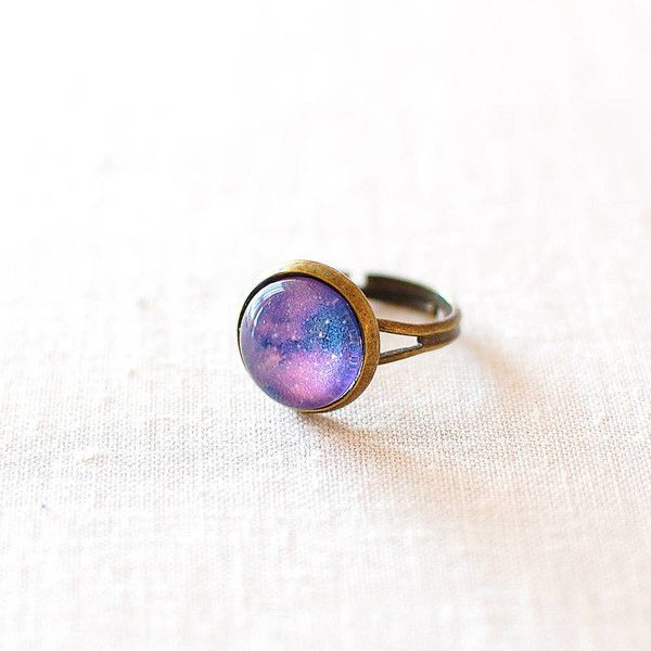 Juju Treasures Purple Galaxy Ring (53 BRL) ❤ liked on Polyvore featuring jewelry, rings, galaxy jewelry, purple jewelry, galaxy ring, cosmic jewelry and purple jewellery