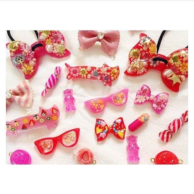 * regram▷(( @choniichonii ))さん * 思わず食べたくなっちゃう…♡が コンセプトの樹脂アクセサリー * とってもカラフルでキュート * @choniichonii さんのアカウントには 他にも可愛いアクセサリーがたくさん◎ * #regram #repost #CandyPot #キャンディポット #choniichonii #レジン #樹脂 #アクセサリー #ピンク #赤 #accessory #pink #red