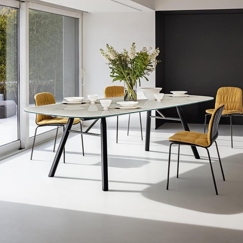 Table En Ceramique Design Pieds Bois Suite Midj Table Salle A Manger Table Design Table En Ceramique