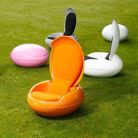 A Zdvent Calendar Garden Egg Chair By Peter Ghyczy