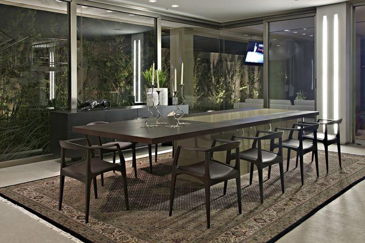 Valorizando os espaços. Veja: http://casadevalentina.com.br/projetos/detalhes/valorizando-os-espacos-573  #decor #decoracao #interior #design #casa #home #house #idea #ideia #detalhes #details #style #estilo #casadevalentina #diningroom #saladejantar