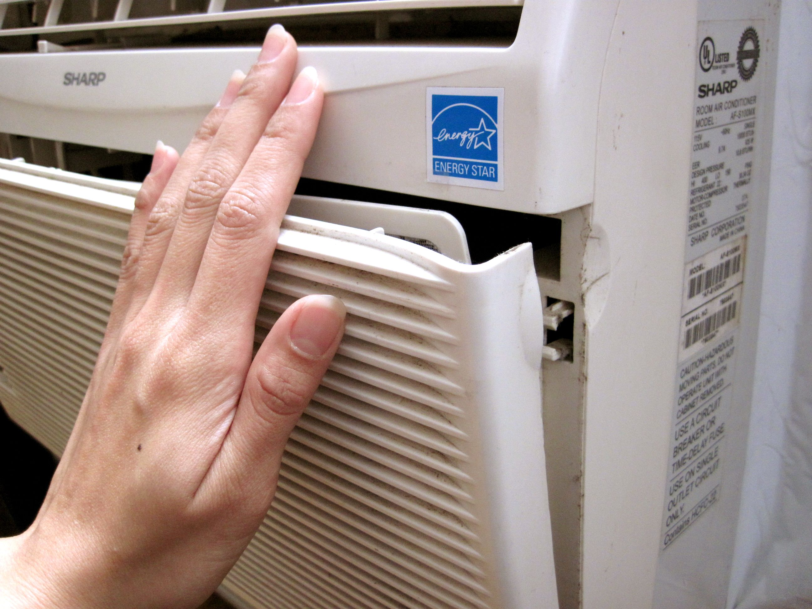 The Woodlands Air Duct Cleaning How to Change an Air