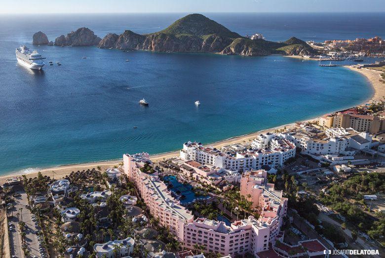 Aereal view of Cabo San Lucas #josafatdelatoba #cabophotographer #landscapephotography #loscabos #bajacaliforniasur #mexico #cabosanlucas #sea
