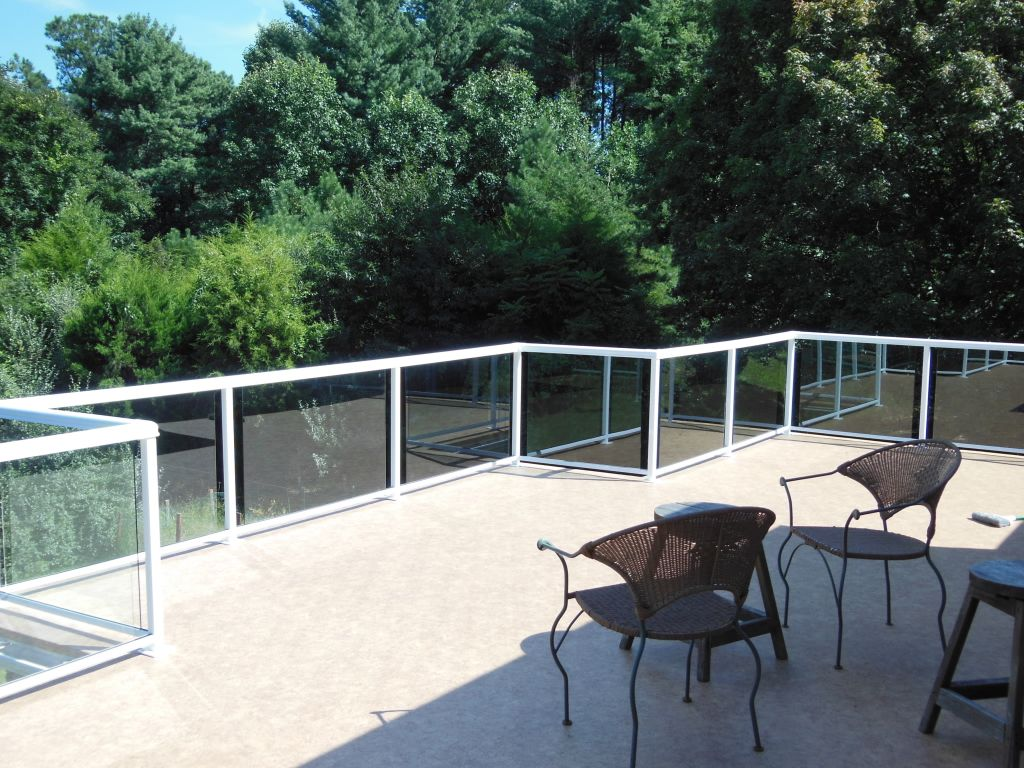 Glass railings for decks - Duradek Cork And Durarail Glass Railing On A Deck In Great Falls Va