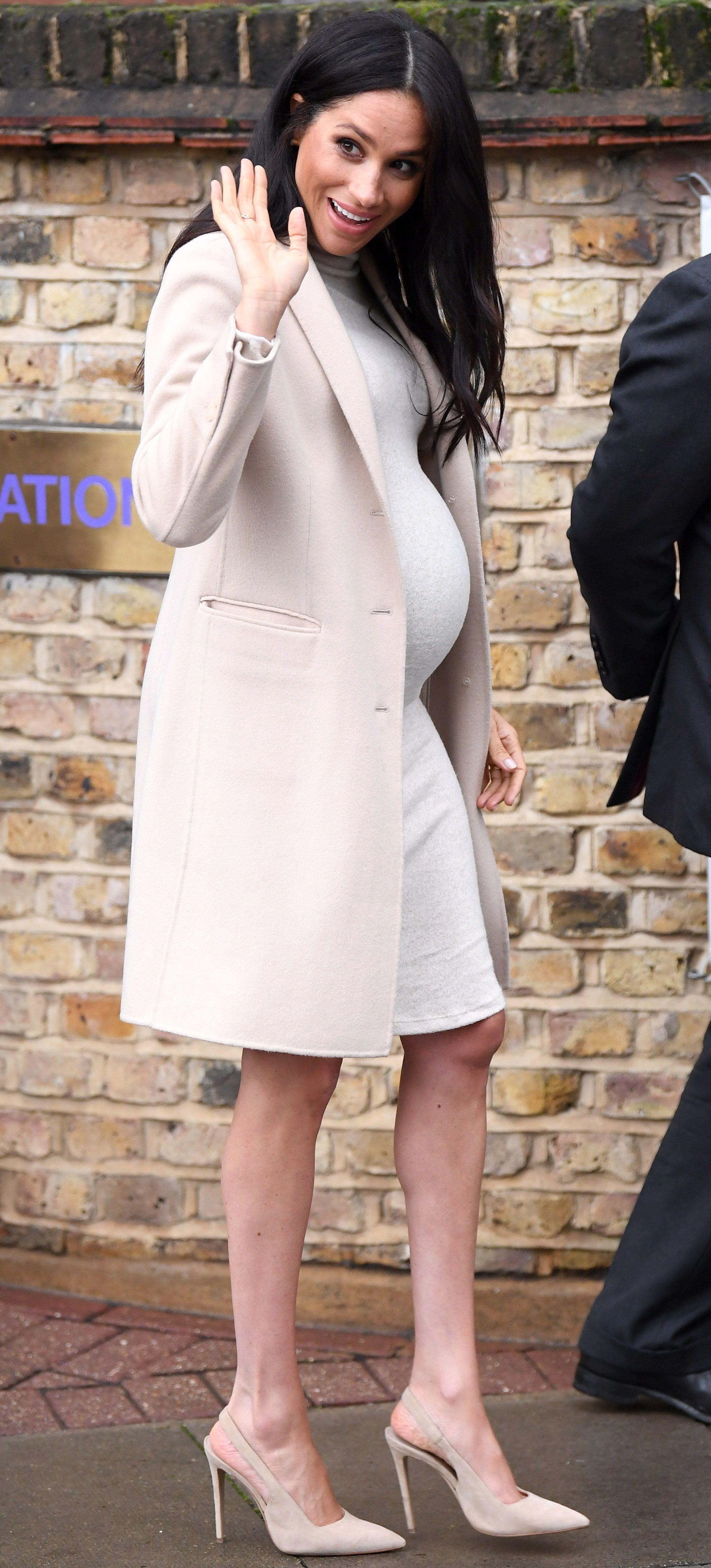 0dc5767e8db  MeghanMarkle wore a  35  HM maternity dress.  duchessofsussex  duchess   meghanmarklefashion  britishroyals