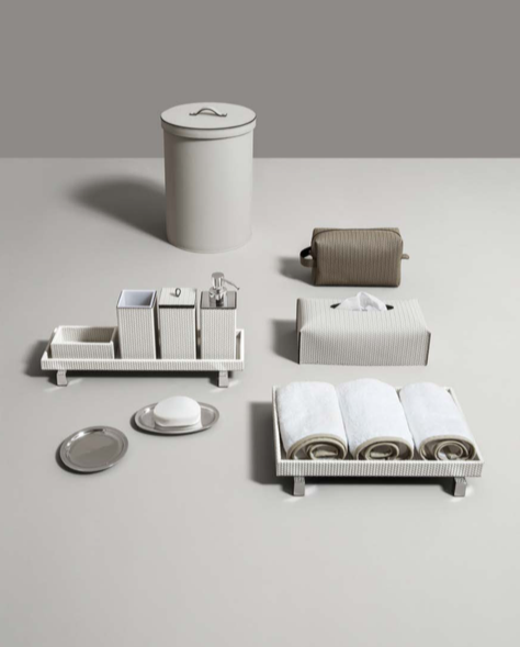 Merveilleux Gillian Weir Ltd   Pinetti Leather Bathroom Accessories