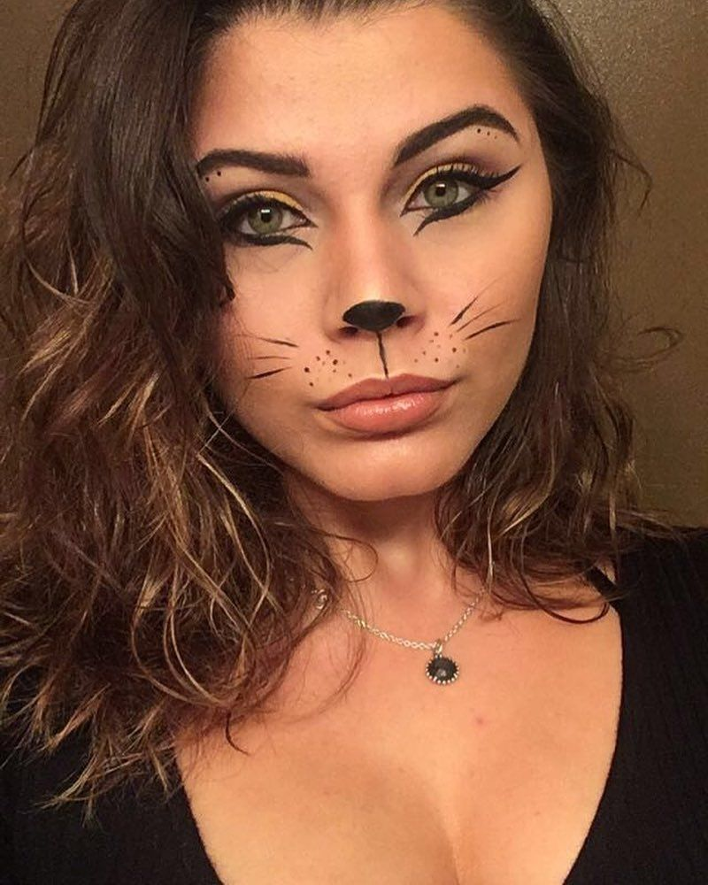 Diy Cat Costume Ideas Easy Step By Step Tutorial Maskerix Com Cat Halloween Makeup Cat Halloween Costume Cat Costume Diy