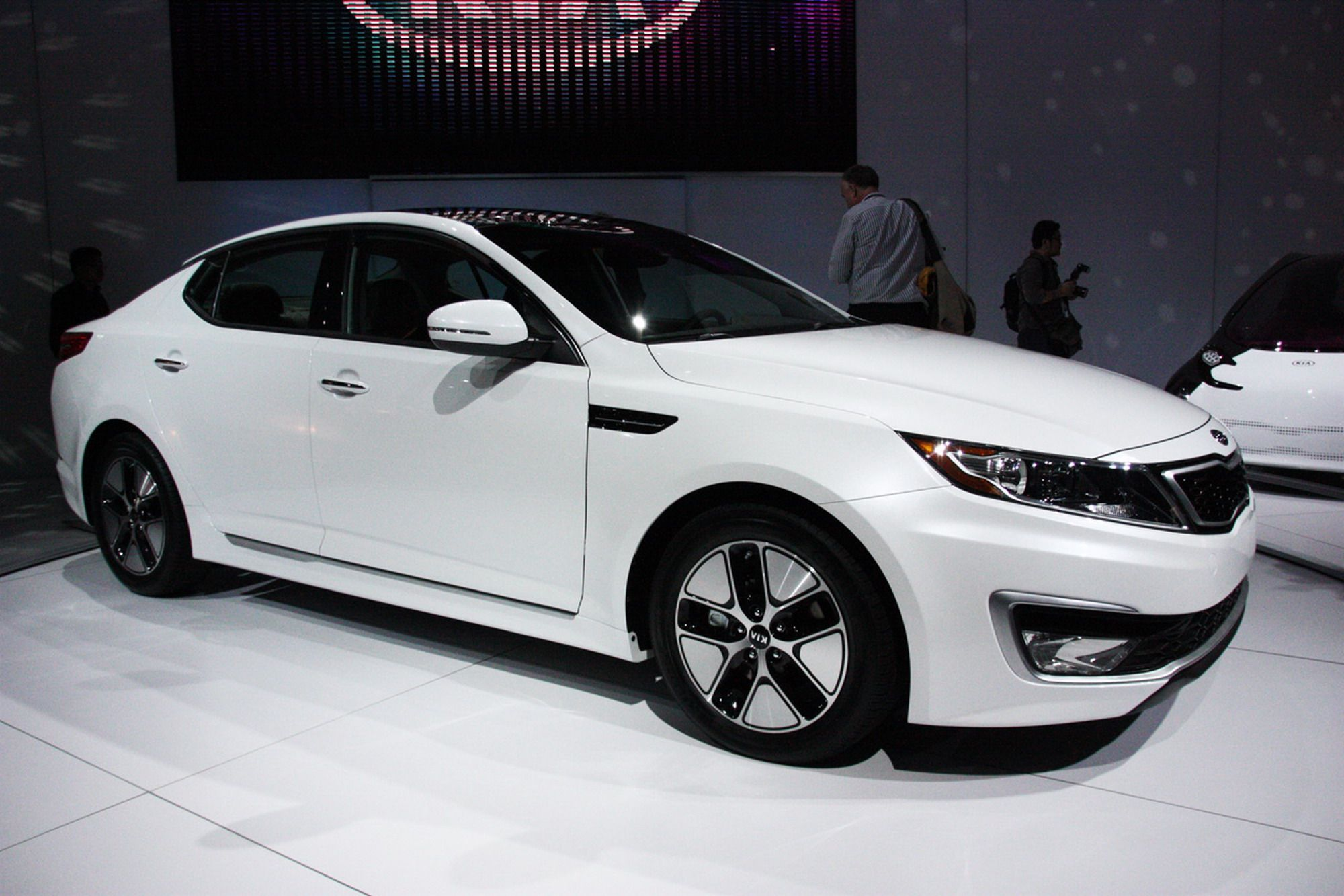 2011 kia optima hybrid exterior car picture big toys pinterest rh pinterest co uk 2011 kia optima repair manual 2011 kia optima lx owners manual