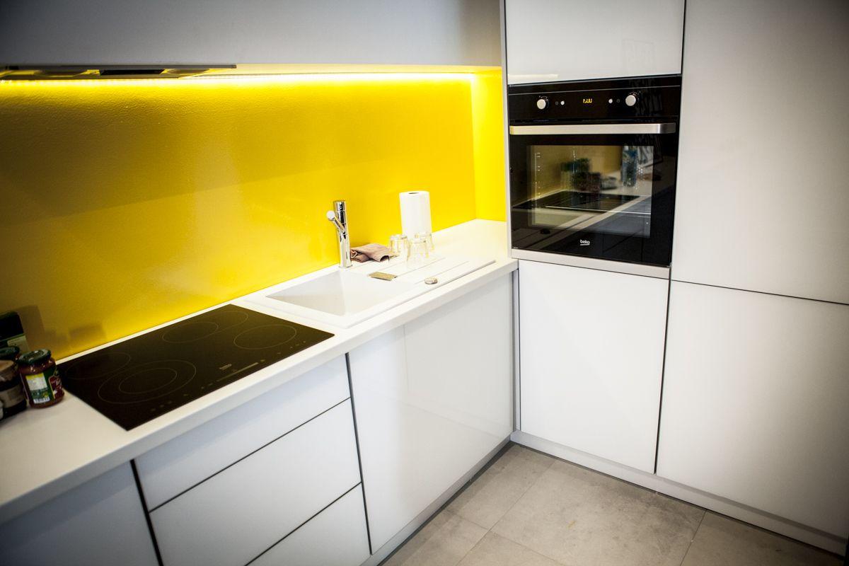 Odcinek 7 Dekorady Tv Small Interior Kitchen Cabinets Interior