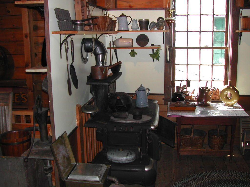 1890 S Kitchen In 2020 Victorian Kitchen Vintage Kitchen Kitchen