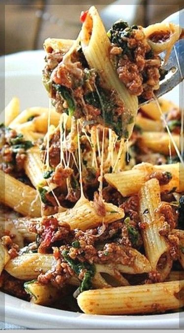 slow cooker beef and cheese pasta | Easy Slow Cooker Recipes  #slowcookerrecipes