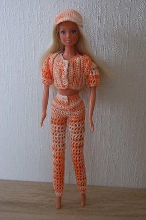 Häkelanleitung Barbie Set 4 teilig Hose, Jacke, Kappe, Rucksack ...