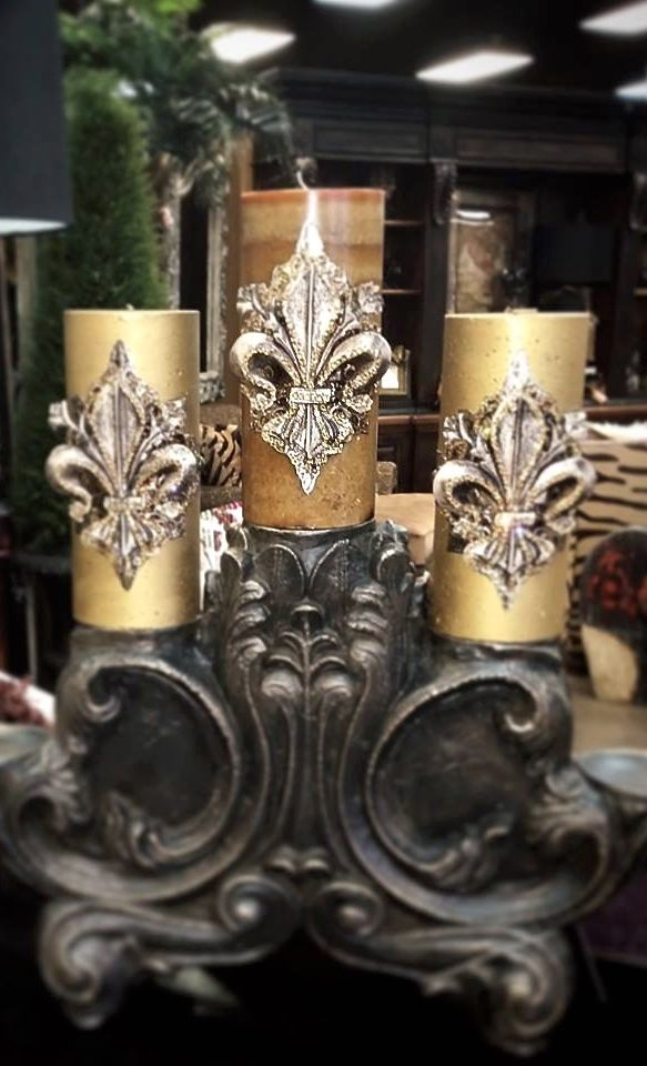 BEAUTIFUL EMBELLISHED/EMBELLISHMENTS CANDLES THAT WOULD BE GORGEOUS WITH YOUR TUSCAN,OLDWORLD FRENCH,OLDWORLD AND FRENCH COUNTRY DECOR.THE FLEUR DE LIS EMBELLISHMENTS ARE STRIKING AND CAN BE USED ON  LAMPSHADES OR TIE BACKS FOR CURTAINS.CHERIE
