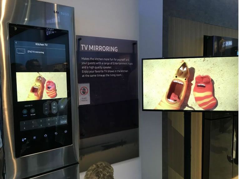 Samsung Family Hub Refrigerator Has Remote Cameras Inside , Video Streaming & Messaging -  #kitchen #samsung #smart