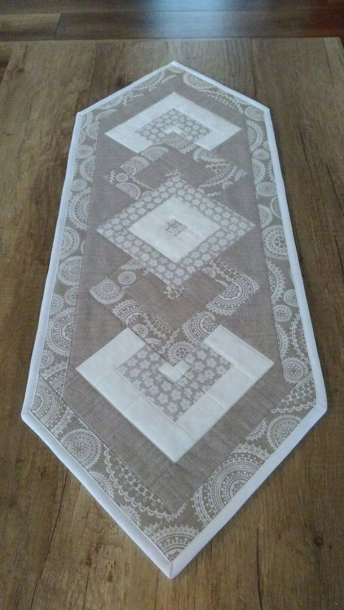 Compre Regalos Hechos A Mano Vintage Personalizados Y Nicos Para Todos Tabl In 2020 Patchwork Table Runner Quilted Table Runners Patterns Farmhouse Table Runners