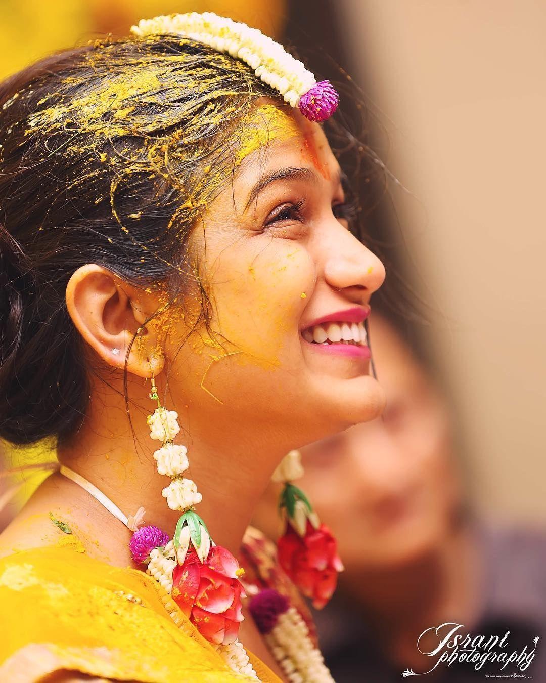 30 Best Haldi Ceremony Photos From Indian Weddings Shaadiwish Shaadiwish Indianweddin Indian Wedding Photography Indian Wedding Poses Indian Wedding Bride