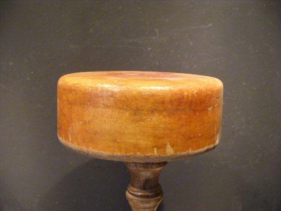 Vintage wooden hat block, forme à chapeau, hoedenmal