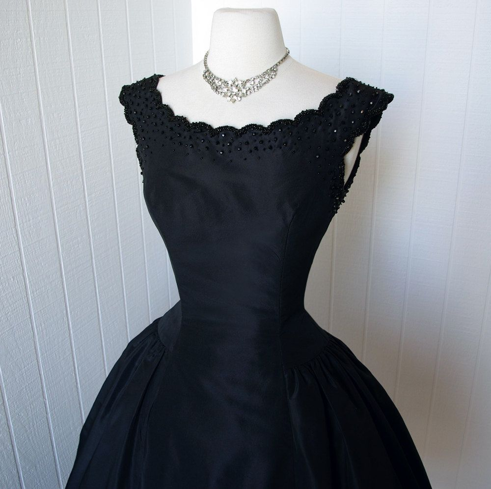 1950\'s dress ...exquisite dior inspired new look SUZY PERETTE new ...