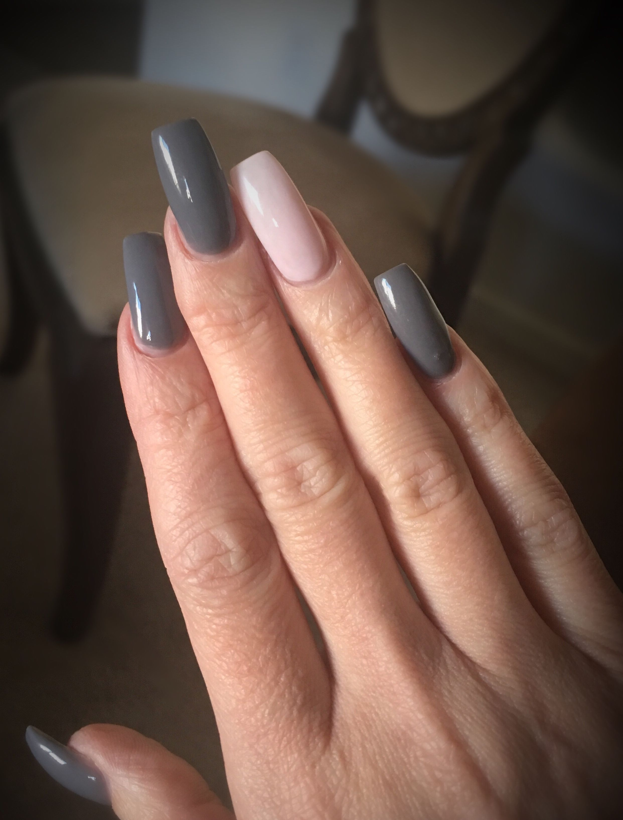 Grey Nails With Light Pink Accent Nail For Fall Trendy Nails Pink Nails Nails