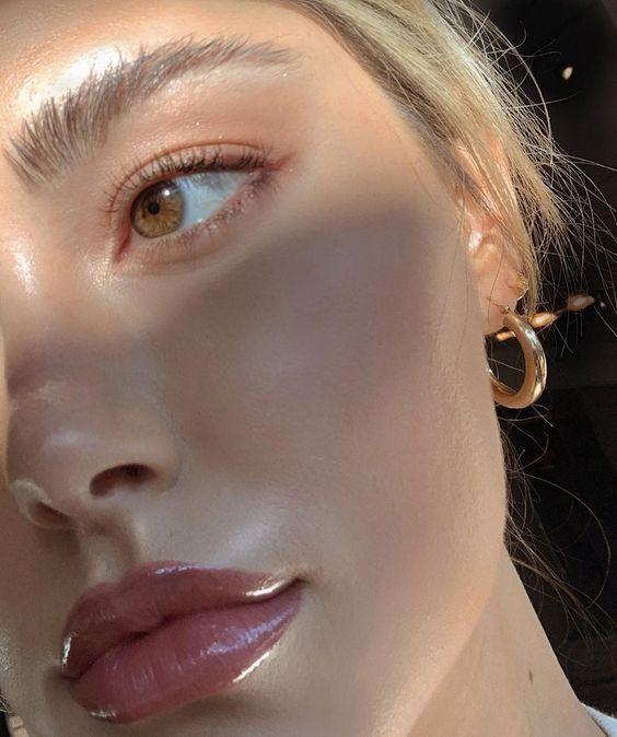 Inspo de belleza y maquillaje brillante  – Maquillaje