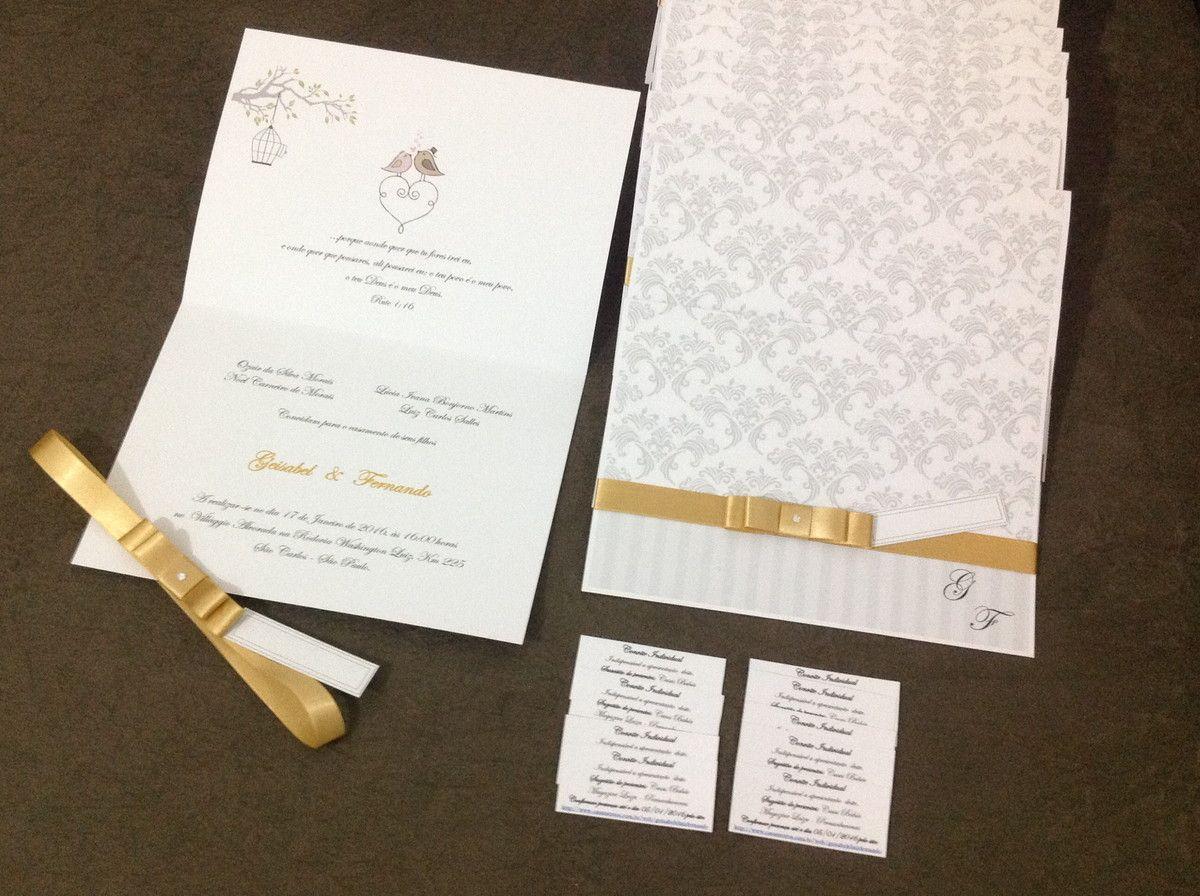 Convite Para Casamento Com Desenho Estampado Em Papel Branco Verge