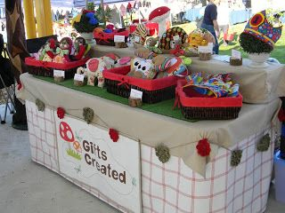 Craft Friendly Southern Illinois Craft Show and Entrepreneurial Blog: Craft Display of The Day!