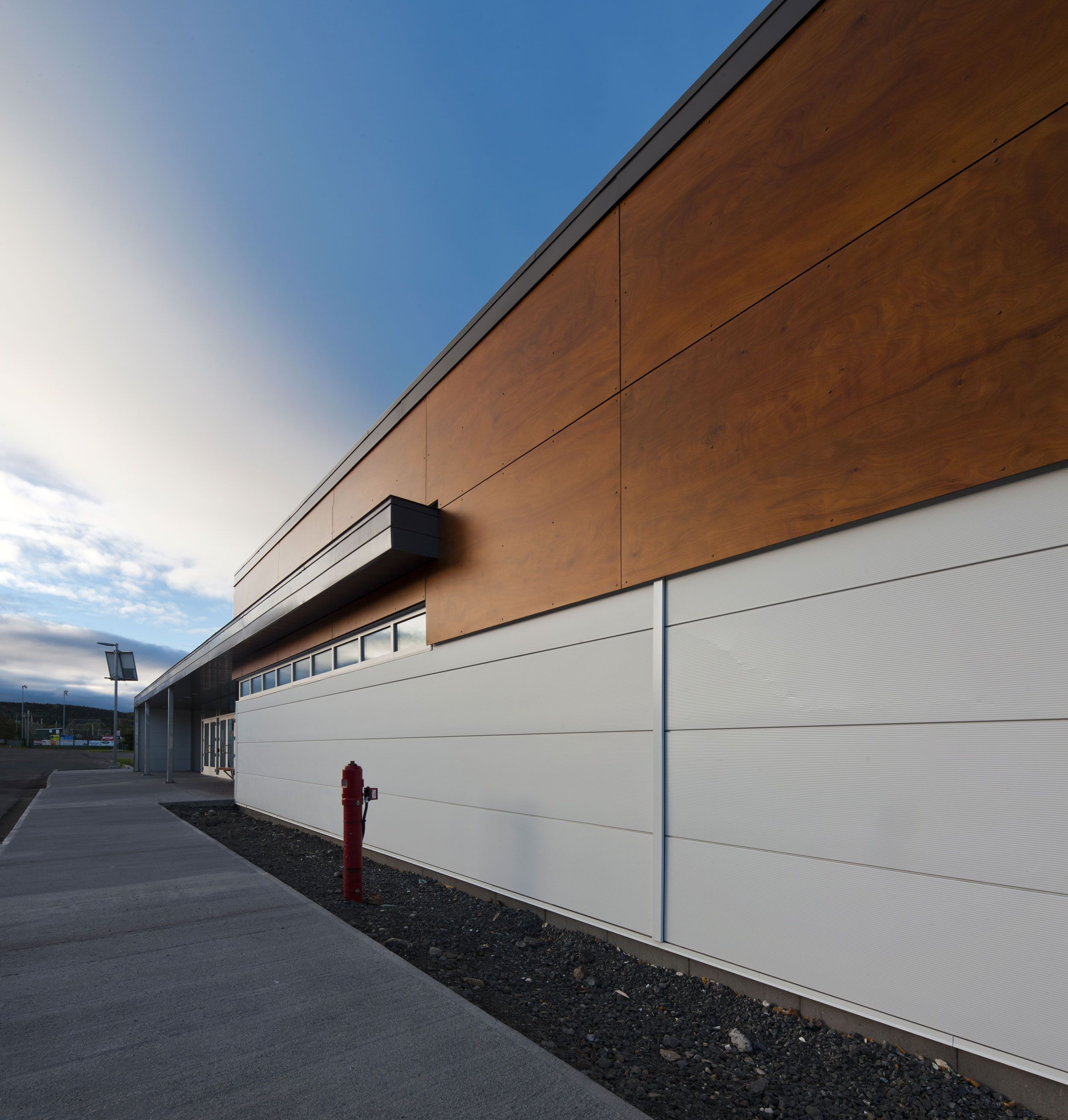 Facade Is A High Density Laminate Timber Panel For Exterior Cladding With  No Maintenance. The Outer Layer Is Highly Resistant And Features A Unique  ...