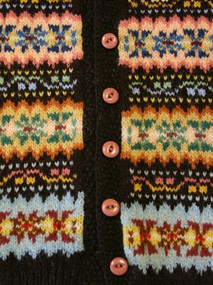 fair isle colours...definitely like the black background, and the accent colored buttons