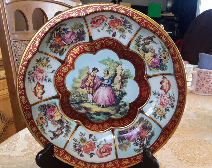 Daher Decorated Ware Tray Made In England Here Is A Vintage Daher Decorated Ware 1971 Courtship Round Tin