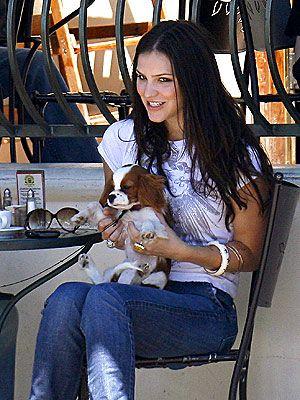 Katherine Mcphee And Her Cavalier Cavalier King Charles Dog King Charles Dog King Charles