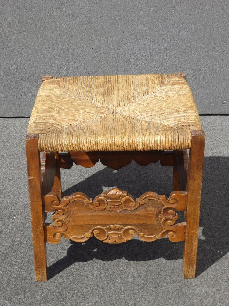 Beautiful Vintage Spanish Style Ornate Carved Wood Rush