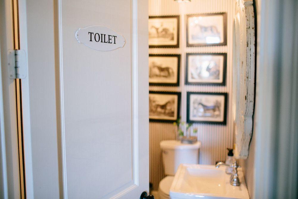 Toilet\